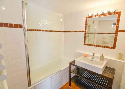 Bathroom (level 1)