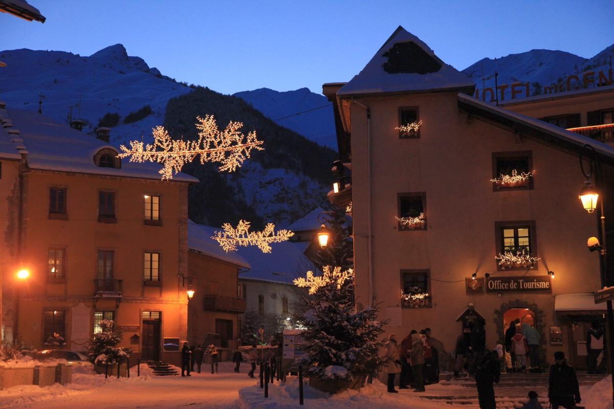 Centre du village de Valloire en hiver