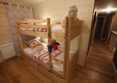 Le Hameau du Pontet - Chambre Ecureuil avec 2 lits superposés et SDB niveau -1