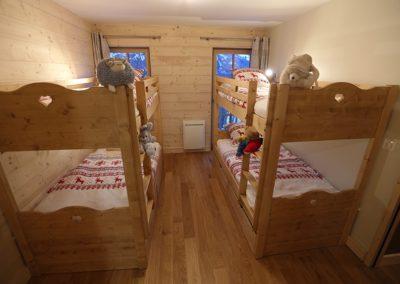 Le Hameau du Pontet - Chambre Ecureuil avec 2 lits superposés et SDB, vue 2, niveau -1