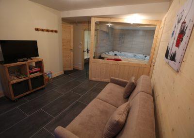 Le Hameau du Pontet - Family Room l'Ane donnant sur le SPA avec canapé convertible en lit double niveau -2