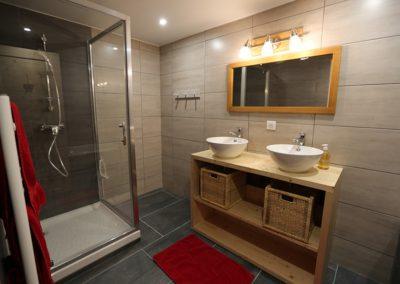 Le Hameau du Pontet - Salle de bain + douche indépendante niveau -2