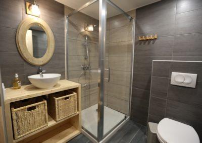 Le Hameau du Pontet - Salle de douche indépendante au niveau -1