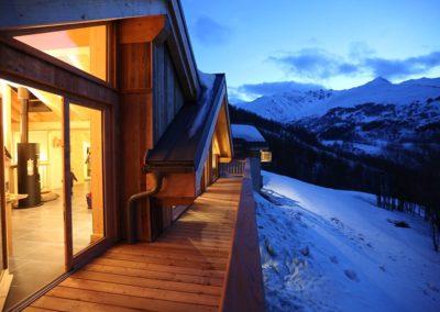 Le Hameau du Pontet - vue du balcon de nuit